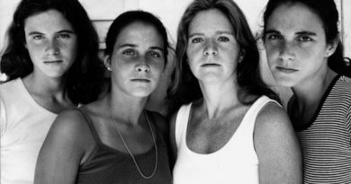 4 Sisters Took The Same Photo for 43 Years
